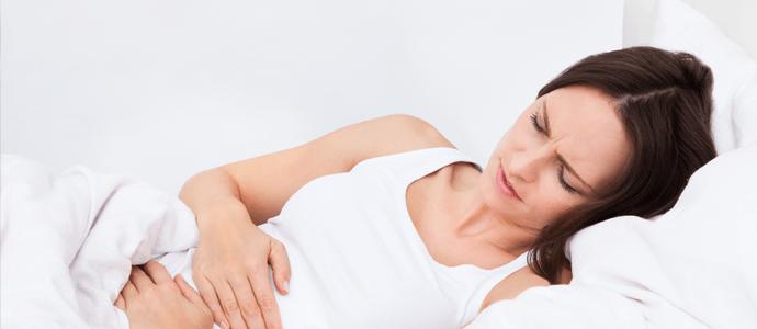 pries menstruaciniai simptomai